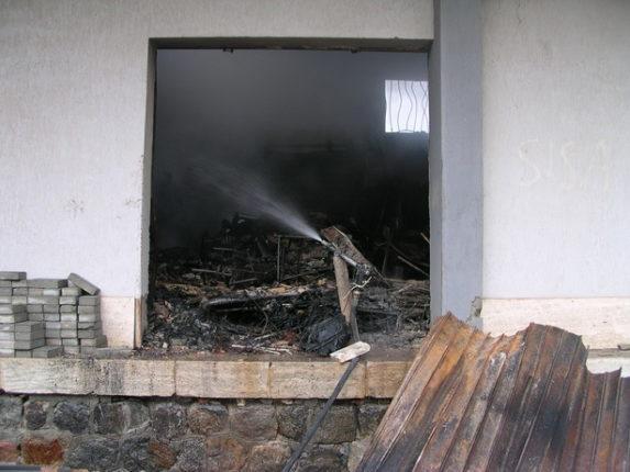 23 gennaio 2011 Incendio nei locali delle ferrovie alla stazione di Bagnara