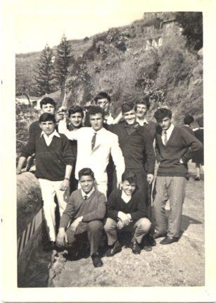 Bagnara Calabra Via Nazionale anno 1963  Gruppo di Ragazzi in posa