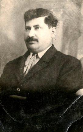 nato a Bagnara  Calabra il 24-6-1881,  emigrato in Argentina dove si è sposato con  ANUNCIADA YANNELO, siciliana, 1l 4-6-1910.