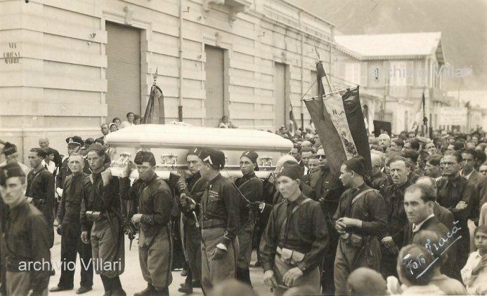 1934 Una foto del corteo funebre del maestro Domenico Valenti