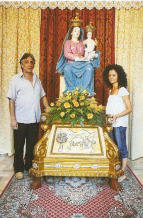 Foto del Restauro della Madonna della Montagna di Polsi dagli artisti Rosario Musumeci e Rosa Velardo  Giugno 2008