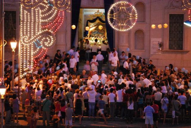 15 agosto 2011  L'USCITA DI S. MARIA E DEI DODICI APOSTOLI