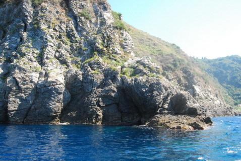22 agosto 2015  la costiera vista dal mare . Bagnara Sant. Elia di Palmi andata e ritorno