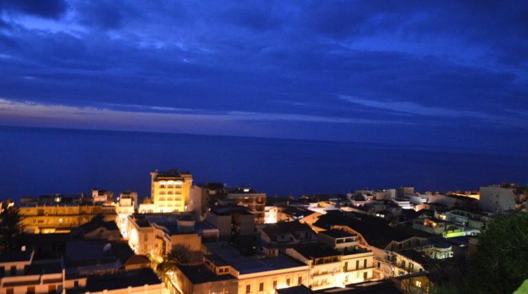 24 dicembre 2013  Paesaggi e particolari notturni nella notte di Natale  di C. Versace