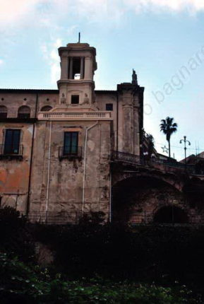 Ai piedi della chiesa del Carmine  quel che resta del borgo antico  dicembre 2014