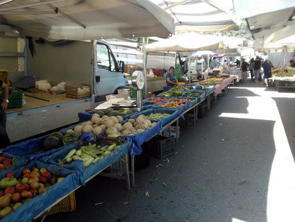 Maggio 2014 martedì di mercato e concerto di Francesco Villari