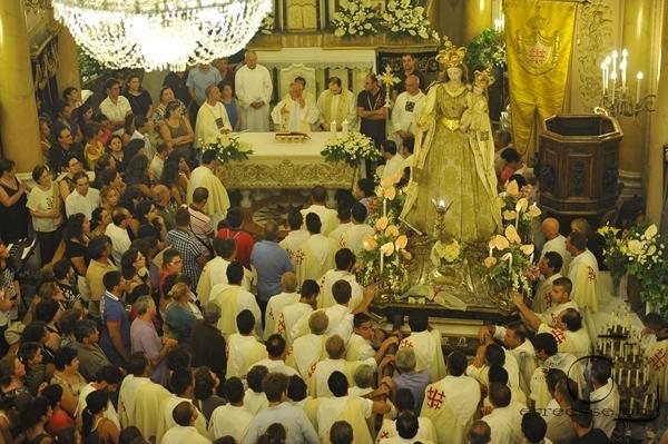 Alcuni video di A. Calabrò e C. Zoccali  e  foto della processione della Madonna del Carmine 2012 a cura di R. Stillo