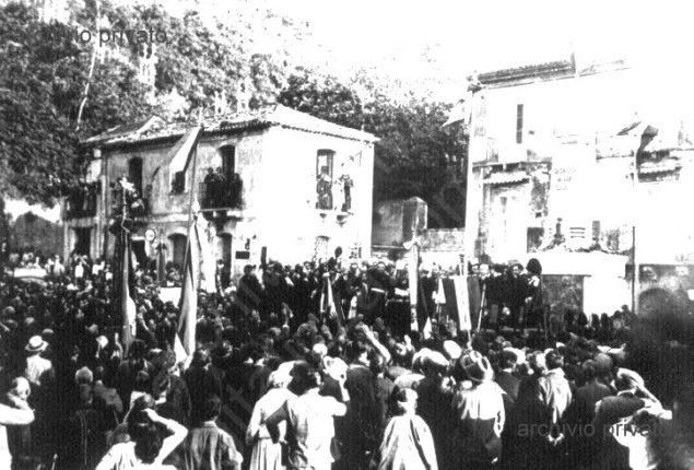 Il monumento ai caduti della grande guerra  documenti fotografici dell'inaugurazione avvenuta nel 1923  alle presenza delle autorità civili, militari e religiose della provincia
