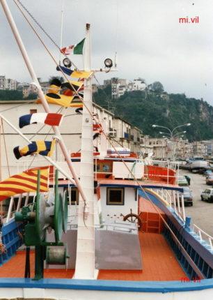 Una delle ultime imbarcazioni costruite dal maestro Vincenzo Oriana  Sequenza fotografica di Mimmo Villari