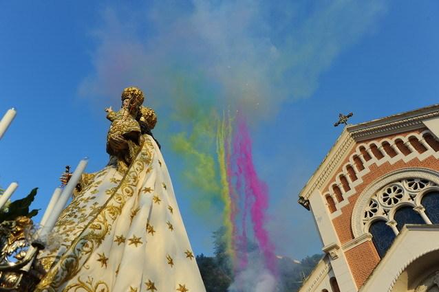 Sintesi fotografica della processione  di Maria SS. del Rosario  del 2 ottobre 2011  foto di R. Stillo