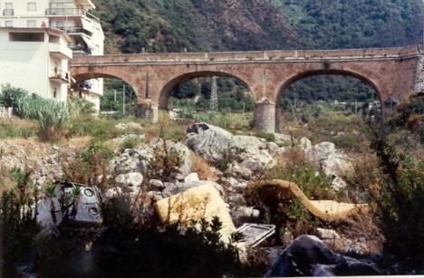 Lo Sfalassà negli anni 90  Prima dell'intervento di pulizia a cura del sindaco Zappalà  10 Foto di Giuseppe Dominici