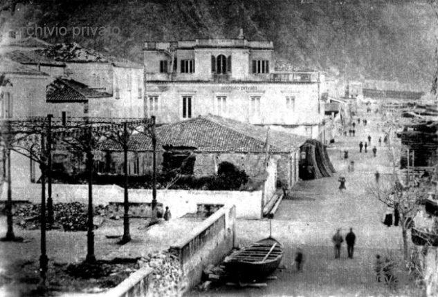 L'attuale corso Vittorio Emanuele II  in una foto del 1894