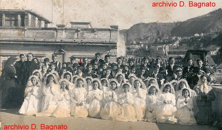 Terrazza dell'asilo De Leo al  rione Valletta   Prima Comunione probabilmente dell' anno 1958