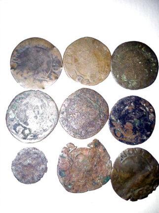 20 monete antiche ritrovate sul litorale Bagnarese  si ringrazia C. Pirrotta per la collaborazione
