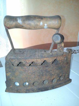 L'amore verso il passato e la cura del collezionista  In queste foto alcuni oggetti custoditi gelosamente dal sig.  C. Pirrotta  che fanno parte della sua collezione di oggetti antichi rigorosamente vissuti o ritrovati a Bagnara