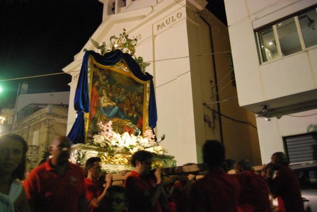 15 agosto 2013  La processione di santa Maria e dei XII apostoli   video della processione a cura di Rosario Velardo