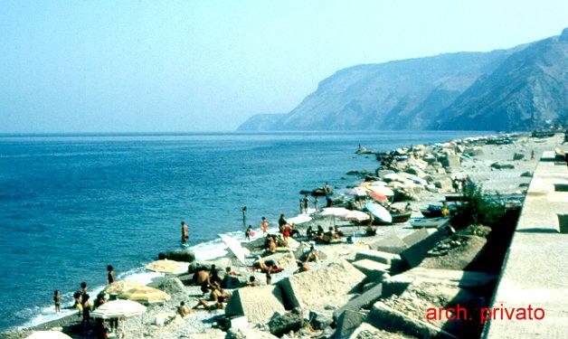 a spiaggia di Bagnara alla fine degli anni 80  arch. privato