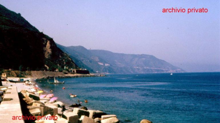 Metà anni 90  Due immagini della spiaggia di Bagnara