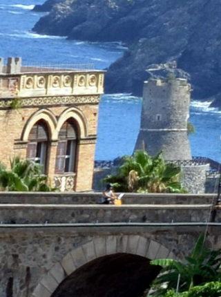 Il castello e la torre  31 luglio 2013  foto di Carmelo Versace