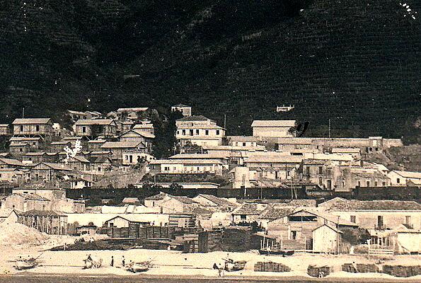 Bagnara 1910  La spiaggia con accatastato il legname pronto per l'imbarco  archivio Deodato