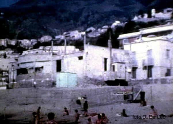 Il lido De forte  in due foto dell'estate 1974  Archivio D. De Leo