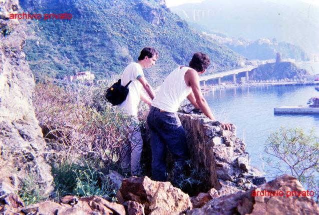 Affaccio dalla costiera  balcone sullo stretto alla fine degli anni 80  foto A. Carati