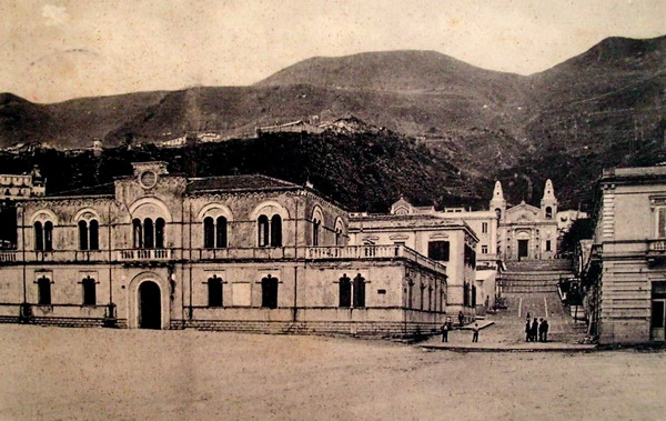 bagnara, municipio e chiesa madre anni 50