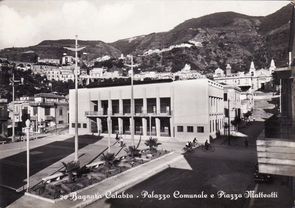 piazza giacomo matteotti e municipio bagnara